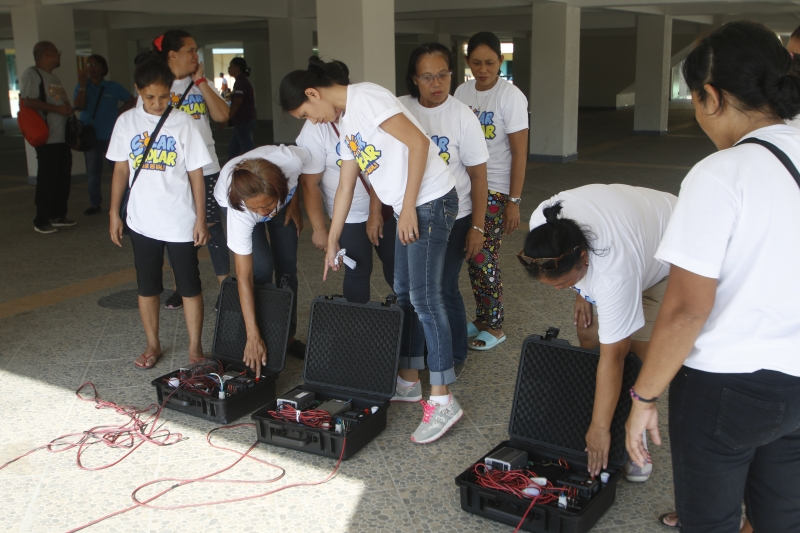 Twenty participants from were trained in the first Women-Led Solar Scholars Training led by the Institute for Climate and Sustainable Cities (ICSC) in Marabut, Samar where they were taught to use TekPaks - portable solar-powered devices designed and built by Yolanda survivors - to power LED lights, mobile phones, and medical devices in times of emergencies ©AC Dimatatac/ICSC